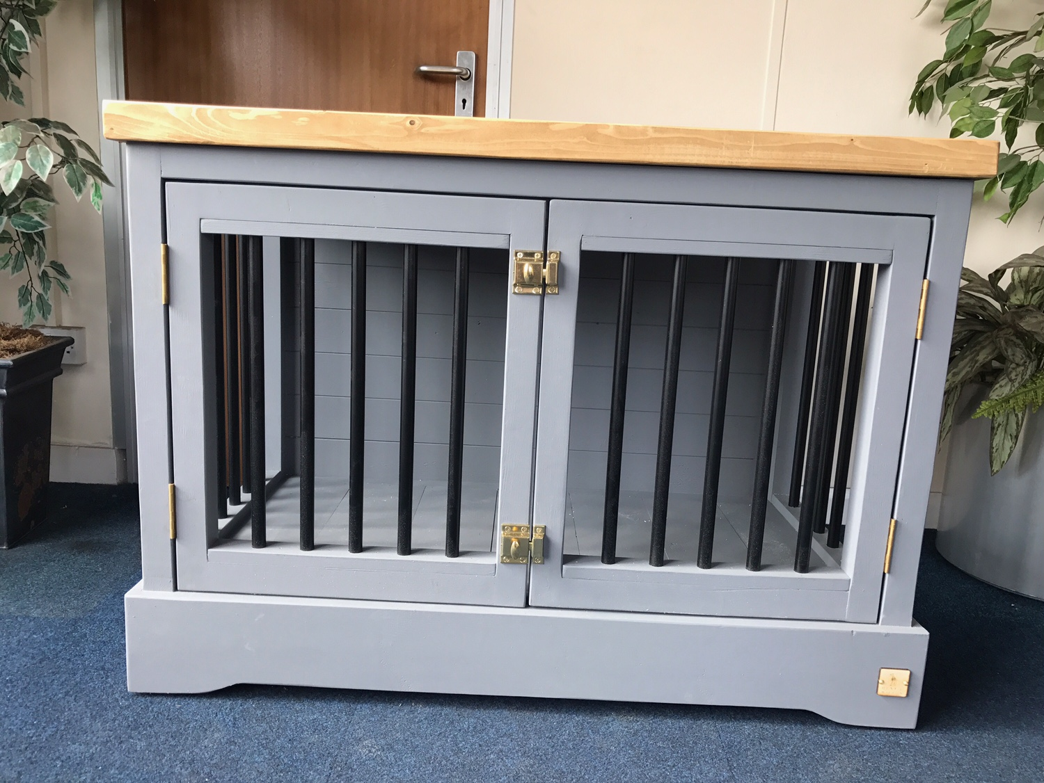 Luxury Dog Crate End Table Dog Crate Luxury Dog Beds Pet
